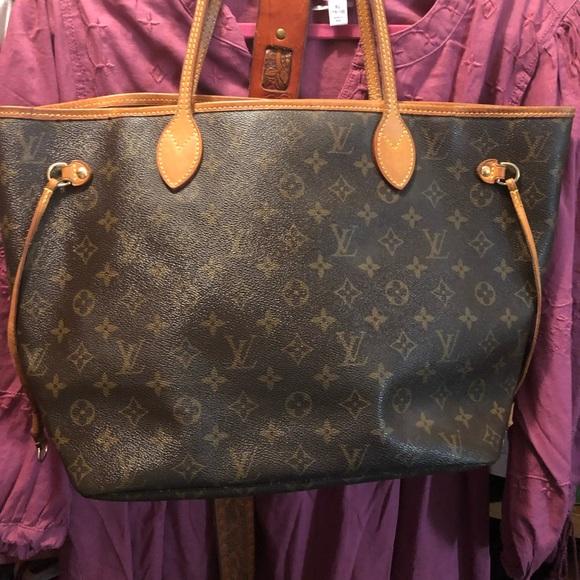 c00cbcc6b7c9 Louis Vuitton Handbags - Louis Vuitton Neverfull Mm